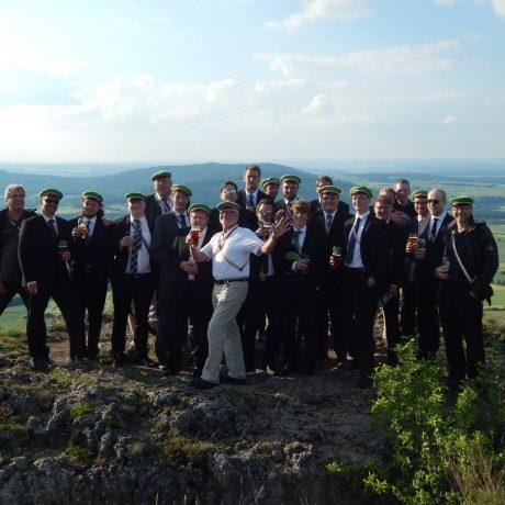 Die Studentenverbindung Asciburgia steht gemeinsam auf dem Staffelberg und feiern den Coburger Pfingstkongress unseres Akademikerverbandes